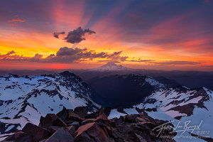 Mount Rainier from Old Snowy, Goat Rocks Wilderness, Washington