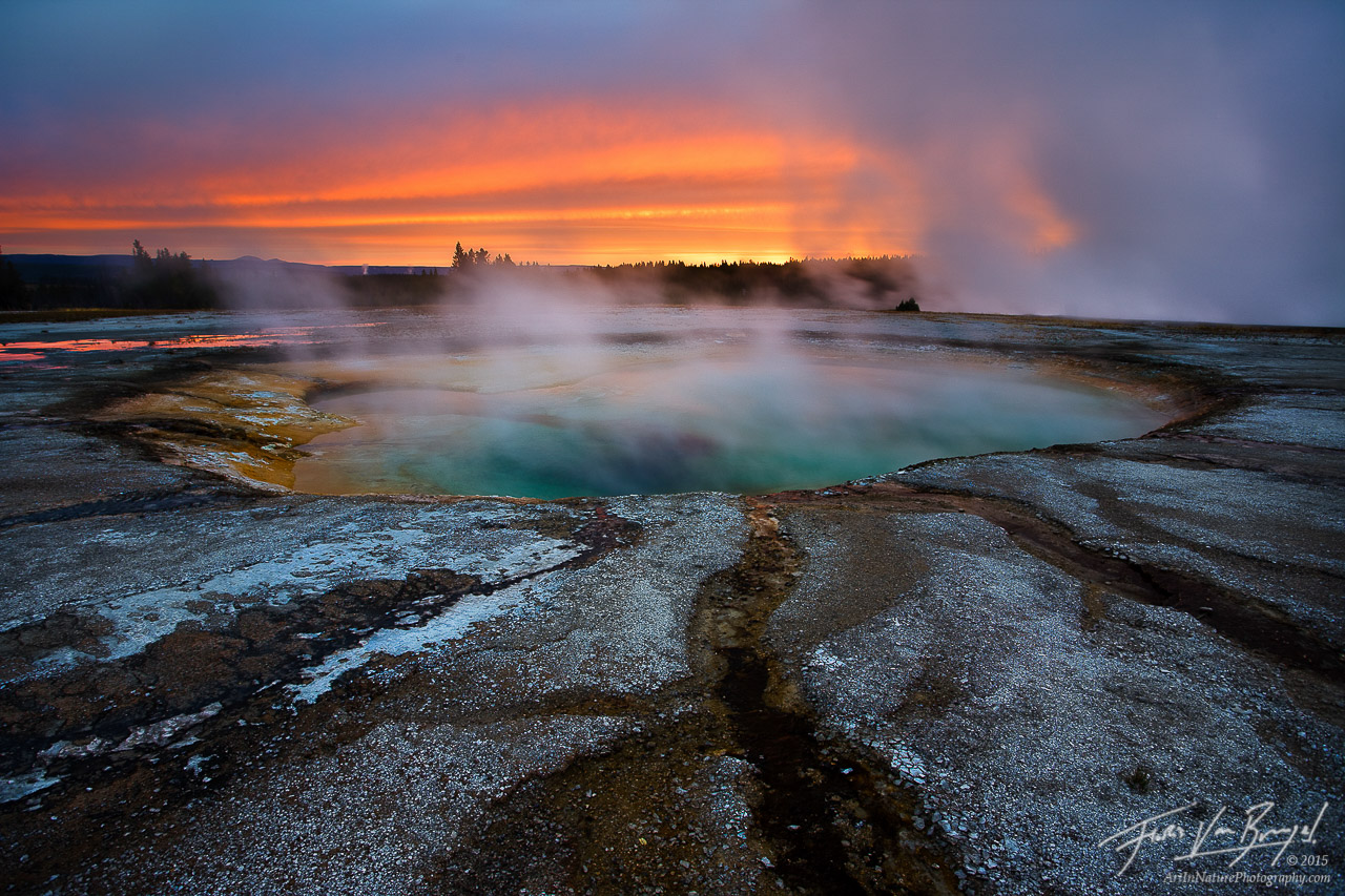 Devils Hot Tub, Yellowstone National Park, Wyoming, sunrise, otherworldly, photo