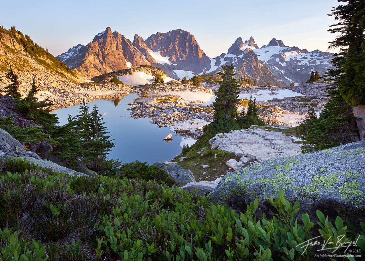 Alpine Lake and Mountains, Cascade Mountains, Washington, photo