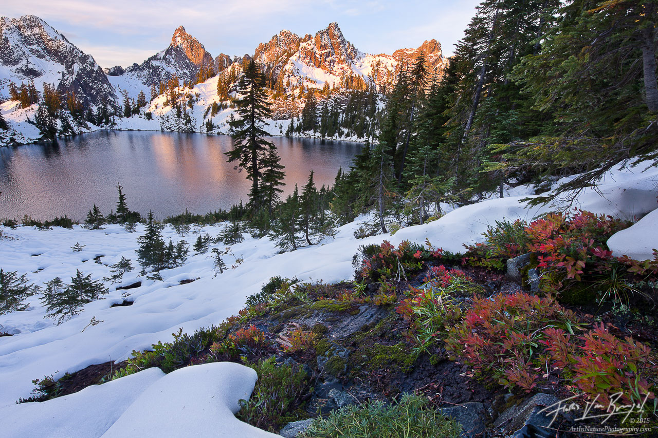 Alpine Lakes Wilderness, Autumn, Snow, photo