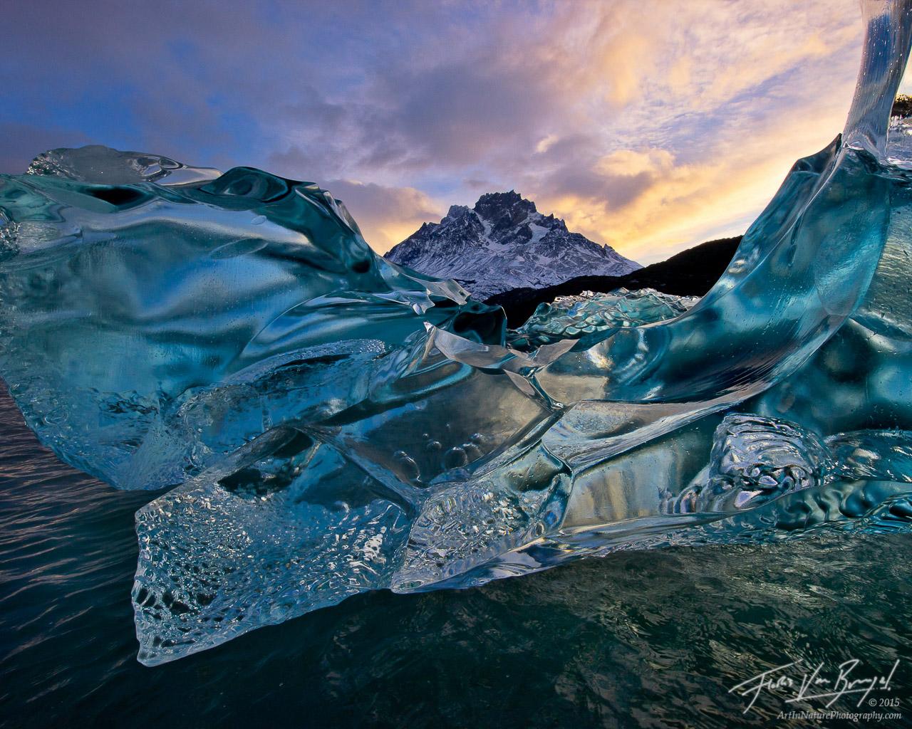 Crystalline Iceberg, Patagonia, Lago Grey, photo