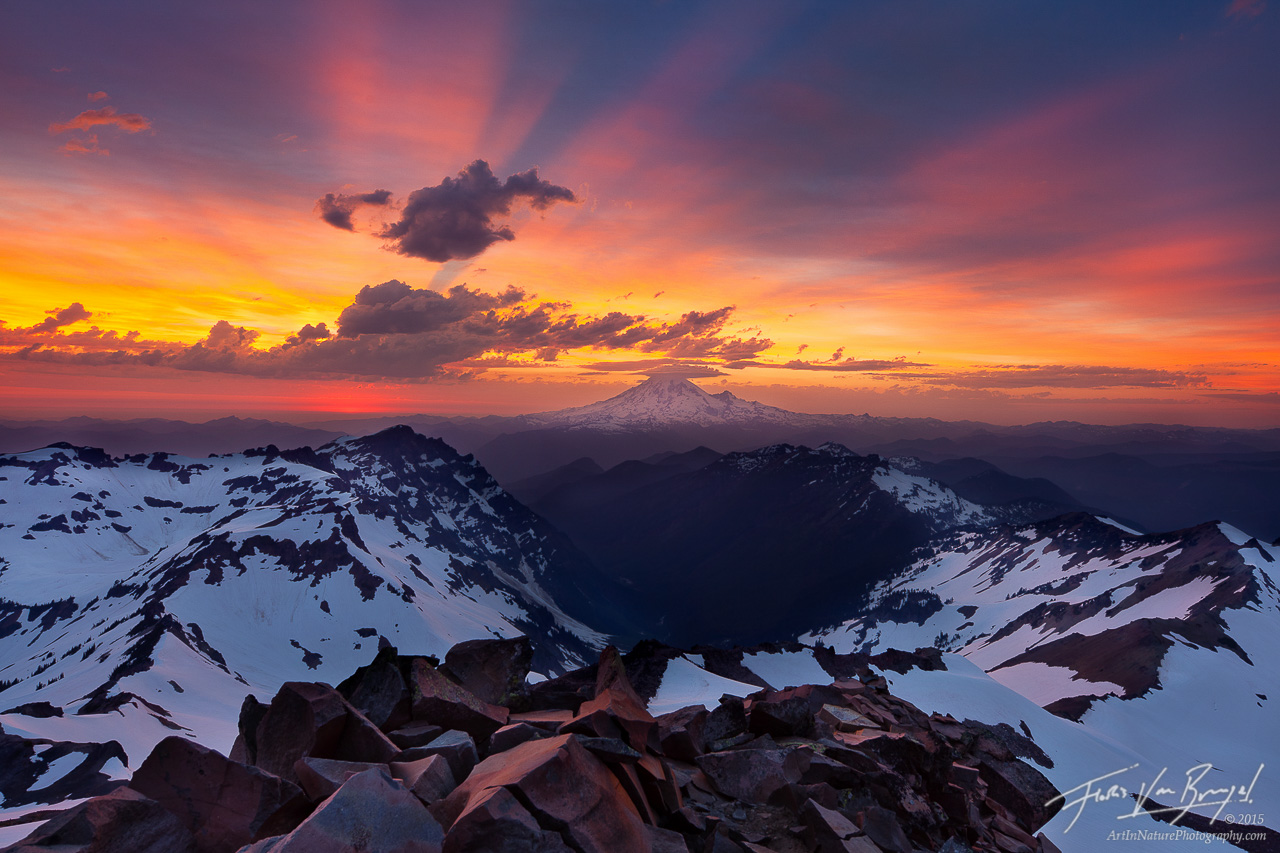 Mount Rainier from Old Snowy, Goat Rocks Wilderness, Washington, photo