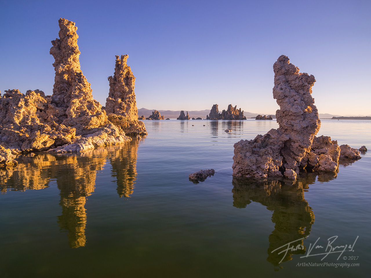 mono lake, tufa, reflection, photo